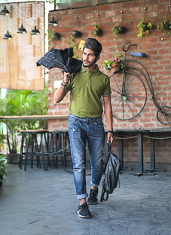 College Casuals - that's what i say ! 😁 . . Tshirt by - @fugazeeinc . . Shot - @thedaydreamstudio . . #thestyledweller  #fugazee  #TSDFAM #menscasual  #fashioninfluencer  #fashionblogger  #menswear #men #mensfashioninfluencer  #trendy #wiwt #ootd #olivegreen #poloneck #suratinfluencer  #suratblogger  #indianblogger #indianinfluencer