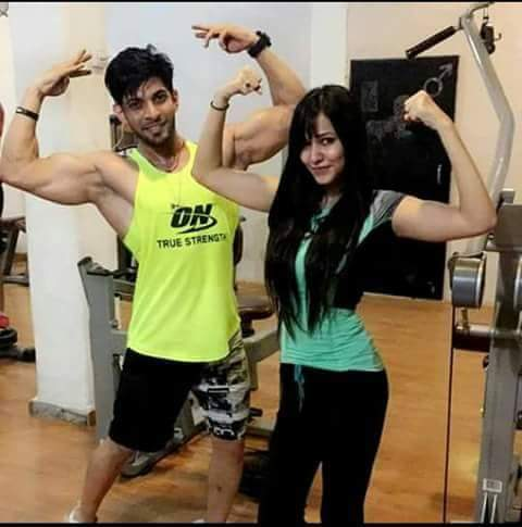 Kehnda #Makkhan Naal #Aalu_De_Paranthe Khaya Kar 😍😘 ♡ ☆ ♡ Tu Pehla Badi #Slim Sohniye #Gym Naa Jaya Kar 😋😉