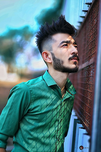 Turn your face to the sun and all the shadows fall behind you . . . . #kartavyamakwana #fashion #fashionmodel #formals #greenshirt #blogpost #blogger #indianblogger #suratblogger #suratinfluencer #menswear #menstyling #hairstylesformen #style #trend #fashionpost #fashionista #influencer #ootd #menfashionpost #combination #malemodel #instastyle #instagram #potraits