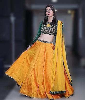 Discover again the  evergreen beauty in you with RAA ( www.rentanattire.com ) . Pretty in the frame- @slay_d_luk #rentanattire #raabridalwear #raadesignerwear #designerwearonrent #bridewithpride #bridestyle #bridesmaidsquad #bridesmaids #bridesmaiddress #bridesmaidoutfit #lehengalove #lehengadesigns #setmywed❤ #zowed #girlssquad #girlstyle #indowestern #indowesternwear #pune #delhigirls #delhi #style #instamakeup #instalike #lehengagoals