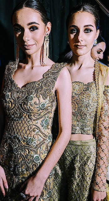 Gold and glamour✨ Grab our intricate handcrafted eveningwear perfect for your memorious occasions @labelnityabajaj  #gold #handcrafted #handembroidered #NityaBajaj #labelnityabajaj #meshbynityabajaj #meshmannequins #golden #glam #glamourmodel #glamorous #detailshots #details #deets #deetsfortheday #labelnityabajaj #meshbynityabajaj #mesh #autumnwinterfestive2018