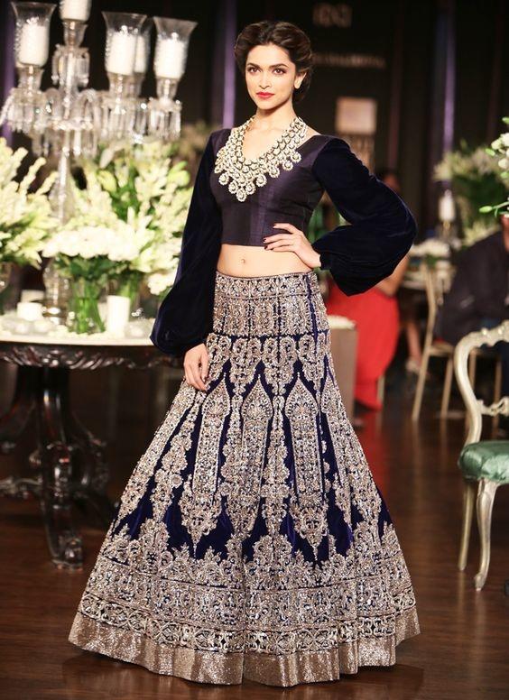 Stunning Deepika Padukone in black 😘 #black