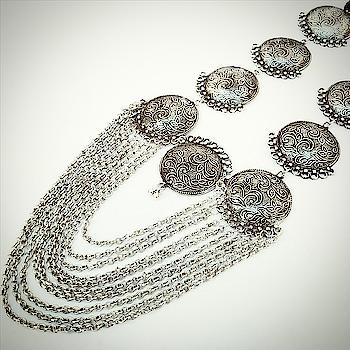 Oxidised Silver Necklace 😍😍😍 #oxidized #oxidisedjewellery #jewelryonline #fashioncrab #ropo-fashion #so-ro-po-so #choosewisely #ootdmagazine #shopwithus   #fashion_blog #chandigarhfashionblogger #chandigarhblogger #bloggersofinstagram #instapic #new-style