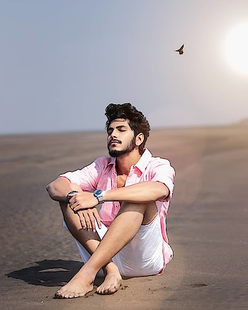 That peaceful aura ! . . Wearing - @kollars.for.mens . . #TSDFAMILY  #TSDFAM  #thestyledweller  #pink #men #white #summerlook #fashiontrend  #menshair  #menswithstyle #menwithstreetstyle  #shorts #shirt #mensfashionreview  #mensfashionpost  #mensstyling #menswear #fashioninfluencer  #fashionblogger  #indianinfluencer  #indianblogger  #contentcreator #surat #india