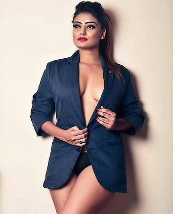 #hotnes #sexy #sexy-look #sexypose #hot-hot-hot #hotboobs #hotbody #hotgirls #hotmodel #mumbai #fasionlovers #roposo-style #roposolove #wow  #roposofasion