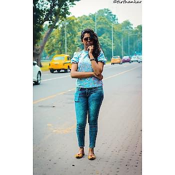 Kolkata- you're sexy😚😍 #kolkata #kolkatadiaries #kolkatagram #kolkatafashionblogger #sayantiguha #soroposo #instagood #pictureoftheday #picoftheday #instablogger #fashionblogger