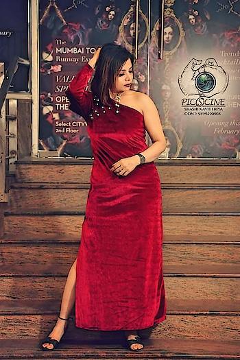 Wearing @stalkbylove   #fashionblogger #freshfashion #lovemywork #fashiontwistturns #shiwangishrivastava