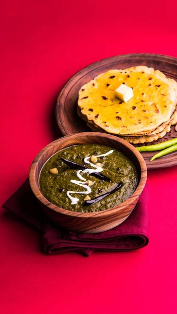 #makkikiroti #sarsokasaag #yummybites #authentic