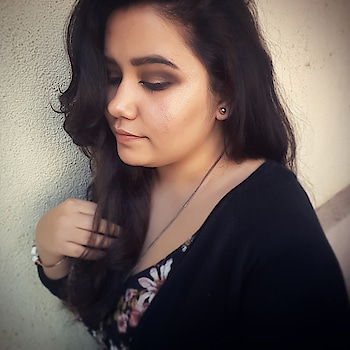 Motd brown smoky eye with a hint of mud shimmer perfect for coffee date #thegirlything💖 #indianblogger #indianbeautyblogger #wakeupandmakeup #makeupbyme #makeupartist #mua #mumbaiblogger #vadodarablogger #datelook #chocolate #flirty #beauty #beautybeyondsize #shimmer