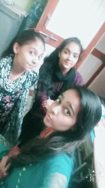Selfie clicked with awesome crazy besties!! #selfieoftheday #selfietime #best-friends #bff