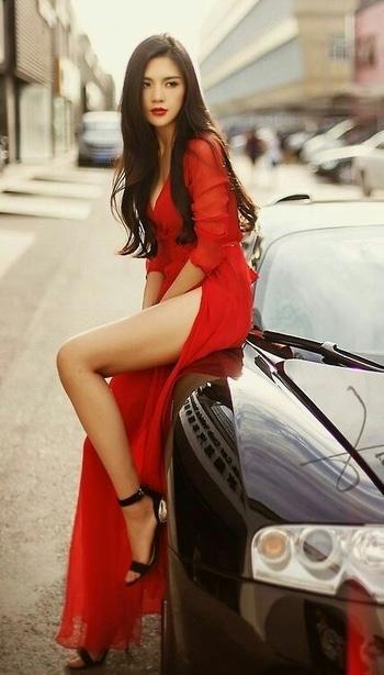 Love the Slit...  #womensfashion #womensstyle #fashionforwomen #blog #blogger #fashionista #accessoreries #designer #luxury #lifestyle #couture #ootd #picoftheday #dress #shorts #heels #shoes #life #bloging #instablogger #adityathaokar #maleblogger #slay #redcarpet #winterstyle #womensfashion #womensstyle #fashionforwomen #reddress #cars #girls