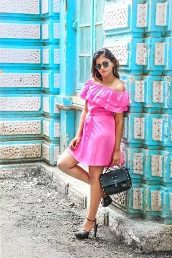 Spice up 🌶 the gloomy rainy days with this hot pink dress from @besivaindia ◀◀  Grab anything from www.besiva.com for just Rs 699 & don't forget to use my exclusive code - JUL3 to get 50% off on your 2nd item ✌  #wardrobesecrets #besiva #dress #offshoulderdress #pinkdress #mumbaifashionblogger #ootd #lookbook