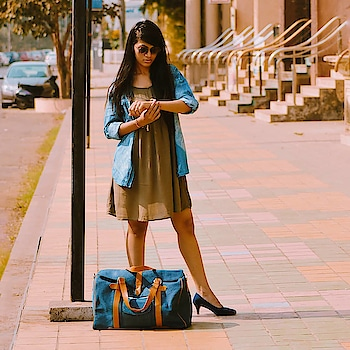 I don't know how many of you still face this problem like i used to face whenever there was any weekend trip plan! Because all the bags where either too small or too big, then i came across @mohawkbags and guess what i found a perfect bag for a weekend trip. Got my hands on Marshal Denim Travel Bag ! Even you can get them and also avail special discount using the code HG_MOHAWK10  PC 📸: @ajayyparmar . #thehetalgada #fashion #lifestyle #ootd #denim #denimbag #denimjacket #denimshirt #mohawk #denimondenim #denimgamestrong #mohawkbag #travel #travelbag #stylishbag #travelwithstyle #outfitpost #dress #blogger #video #fashionpost #roposo #roposo-style #ropo-good #ropobags