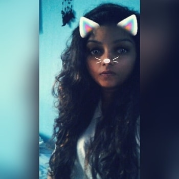 I don't really comb my hair for days but still they don't hate me 😎😎 #longhair #longhairdontcare #longcurlyhair #missthem #snapchatfilter #catfilter #snapchat #nomorehashtags