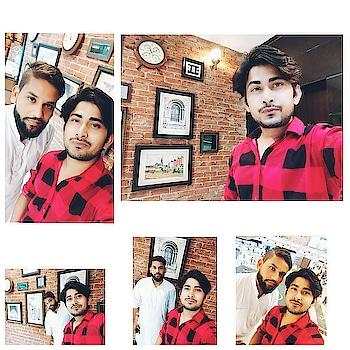 #weekendparty #shootlife #friends  #rishabhtiwari #model