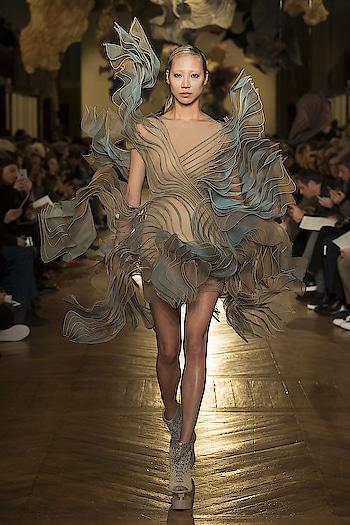 High Fashion... #womensfashion #womensstyle #fashionforwomen #blog #blogger #fashionista #accessoreries #designer #luxury #lifestyle #couture #ootd #picoftheday #dress #shorts #heels #shoes #adityathaokar #maleblogger #indianfashionblogger #winterstyle #fall #fallfashion #streetstyle #model #music #fashionshow