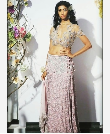 Visit us at our dlf emporio store for our latest collection #rinadhaka #dlfemporio #weddings #newcolletion #gold #glitter #indian #bridestyle #shimmer #bridestyle #indianwear #elegant #beautiful #dhotipants #indianbride #luxurydesign #instashop #instalove #buynow #getthelook