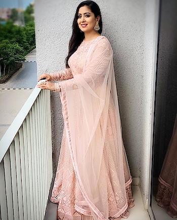 #stylingdiaries @easyrepost The beautiful @harshdeepkaurmusic Wearing @ridha_rohitarora Styled by @bienmode  Assist by @imrohansabne . . . . . . . . #harshdeep #harshdeepkaur #photoshoot #fashion #fashionblog #fashionblogger #styleblogger #stylist #stylechallenge #fashionlifestyle #stylebyme #stylegram #fashionchallenge #indiastyle #fashions #fashiondiaries #lovemyjob #delhidiaries #delhistyleblog #delhistylist #follows #followtrain #followforfollow #follow4follow  #stylistjobs #fashionjob #fashioninspo #fashionista #yesstyle