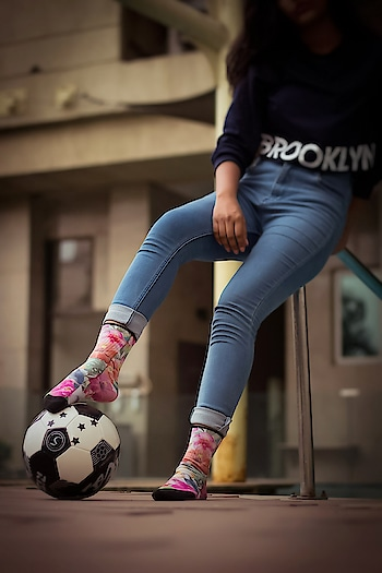 Summer is here! Have you tried keeping your feet cool, and making them look cooler with our super breathable and comfortable socks?   Our #Exotica gives your summer styling the perfect dash of colors and freshness to keep you cool.   Update your styling game with our fun socks.   Own your #dynamocks pair today.  Thank you @mypicture_yourwallpaper for this absolutely amazing picture of our #Exotica! We love it!  TO SHOP-  Available on Amazon | Flipkart | Myntra  #socks #dynamocksocks #socksfetish #sockslove #sockswag #socksrock #sockslover #womenstyling #cool #summerlook #summerstyle #fashion #trend #style #trendysocks #fashionsocks #women #men #india #womenfashion #supercool
