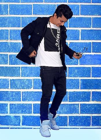 Bahut samay laga yaha tak pahuchne me or abhi aage bhi jana hai , jo wada kia hai muje pyaar karne walo ko usko bhi nibhana hai - Rapper Maddy © #rappermaddy #mtv #splitsvilla #follow #love #pray #god #stay #fit
