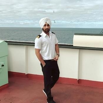 #dressedup #class #officer #mariner 😎