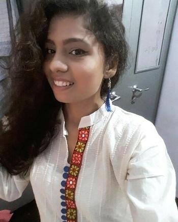 CONTESTANT #1 AISHWARYA GUPTA  Happiness is untameable , free flowing Curly Hair😉 FOR MORE INFO FOLLOW US ON FB SND INSTAGRAM @crafftyowl  #prettygirl  #curlsforthegirls #desi #beautiful #crafftyowl #selfiecontest