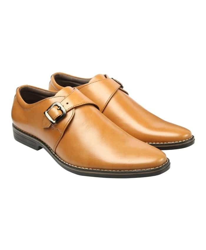 A smart brown pair of single Monk Strap men's shoes that is perfect for your morning to evening look.  ✆ http://bit.ly/a1MONKSTRAP  #monk #strap #semiFormalShoes #Fashion #style #mensWear #India #SemiFormal #Formal