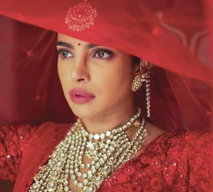 #priyankachopra #weddings #brides #bridallehenga #sabyasachilehenga #sabyasachibride #makeup #beauty #ropo-good #weddingattire
