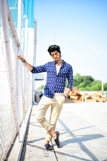 BLUE - SYMBOLIZES TRUST, LOYALTY AND CONFIDENCE .  AND IKAT PRINT ON SHIRT IS AN ETERNAL PRINT WHICH NEVER FADES. _______________________________________________  GIVE A CHANCE TO IKAT PRINT TO GIVE YOUR STYLING A GRACE.  _______________________________________________  SHIRT BY - @theindianpeacock  _______________________________________________  #indianpeacock #thestyledwellerXindianpeacock #ootd #blue #allblue #ikatprint #ikatprintshirt #thestedwellerinikat #indianblogger #maleblogger #malemodel #thestyledwellerinikat #menfashion #roposotalenthunt