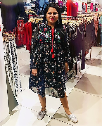 This #Boho inspired outfit from @splashindia is from their newest fashion collection.   Stay tuned to see my favorites from their latest #AW18Collection  #throwbackthursday #SplashFashion #bohofashion #Ootd #stylediaries #delhifashionblogger #SplashIndia #fashiondiaries #FashionThodaForward #TrendSetter #SplashAW18Collection #fashionandbeautyblogger