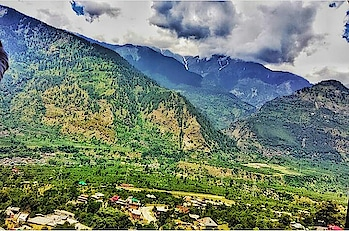Tried to capture the small village of the Naggar city.  There were so many small huts which caught my attention. The way they were built and the lifestyle revolving around the place was just genius.  Tough for the city people to understand though so I could not relate with it much. But I found it to be beautiful.  Also, an outstanding photographer would have done an amazing job here but I feel each picture has a story to tell and my story and focus would not have been deciphered by anyone else.  So, here I am with this. . . . . . . . . . . . . . . . . . . . . . . . . . . #punetravelblogger #puneblogger #manali #kullu #manalidiaries #manalitrip #kullu #kullumanali #kulluvalley #kullumanaliheaven #kulludiaries #indiablogger #indiabloggers #indianbloggersnetwork #indianbloggercommunity #indianbloggers #indianbloggergirl #indiantravelblogger #travelbloggersvibe #travelbloggersindia #indiantourism #travelblogger #travelblog #punetravelblog #indiantravelblog #manalidays #manalilife #himachalpradeshtourism #himachalpradeshdiaries #himachalpradeshtravelstory #himachalpradesh