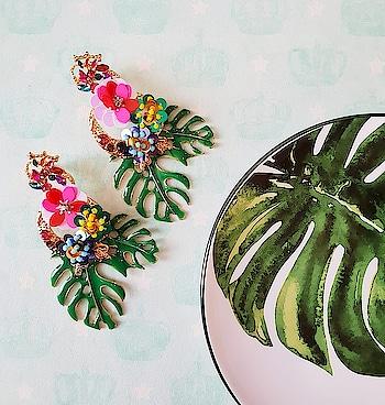 Tropical Green Drama Earrings for the Tropical State of mind! 🌴 http://bit.ly/2urE5I7 . . . . . #theredbox #crazysexycool #tropical #earrings #mondaymotivation #mondaymood #mondays #mondaymorning #instashop #igshop #instafit #instacollage #instafollow #instatravel #flowerstagram #flowerpower #drama #greens #streetstyle #stylediaries #stateofmind #rainyday #onlinebusiness #onlineshoping #onlinefashion #followus #likeforfollow #shop #fashionblog