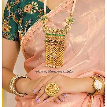 Bridesmaid collection 2019 By #_jaipuri_jewels . Jewellery:- @_jaipuri_jewels Couture :- @darzigiri . . For order or any other query DM or whatsapp us on - 7503577614 . #designer_wear #bridesmaiddresses #bridesmaidcollection #bridesmaid #wedding #designer  #indowestern #ethnic #sabyasachi #sabyasachibride #sabyasachisaree #manishmalhotra #manishmalhotralehenga #indianwear #indianwedding #punjabiwedding #southasianwedding #ethnicwear #usaboutique #newyork #dubai #capetown #sangeet #darzigiri #_jaipuri_jewels