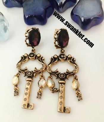 Swanklet Fashion western    antique key style earrings for grils and women....  Ping for price!!!  #onlineshopping  #onilnestore  #fashion #fashionworld #trendy #instastyle #dm_for_order #swanklet #sparklingcreationz #diva #jewellery #jewelry #earrings #traditional #chic #lovely #beautiful #earringsoftheday #buyme #shopperslove#Swanklet #IamSwanklet #sparklingCreationz #sparkleme #Instamood