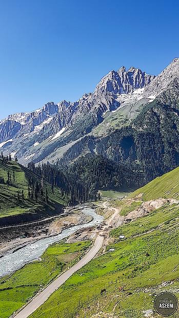 #nature #travel #mountains #himalayas #trekking #himalayan #pahadi #sonamarg #kashmir #travel-diaries #photo-shoto #photographyislife #travelphotography #photographylover #photographers_of_india