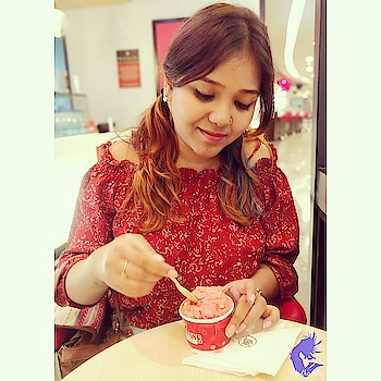 Ice Cream solves everything 🍦🍧🍨🍦 Don't you agree ? . . . . . . .. . . Look book . . . . 🎈🎈🎈🎈🎈🎈🎈🎈🎈 Follow me @medhavista  Follow me @medhavista 🎈🎈🎈🎈🎈🎈🎈🎈🎈 . . . #lifestylebloggerindia #lifestyle #lifestyleblog #lifestyleblogs #lifestyles #ootd #ootdfashion #lookoftheday #lookbook #oneplus5tphotography #Delhilifestyleblogger#MedhavistaLook  #shotononeplus  #Medhavista #styleaddict .#indianblog #ontheblog #indianblogger #indianfashionblog #indianfashionblogger #indiantravelblogger #indianbeautyblogger #indianlifestyleblogger #ootdgoals #ootdinspo #todayiwore . . @oneplus_india @oneplus @oneplus_5t @oneplus.photography @oneplus_in . #ClothesMoodBoard #MyMoodClothes