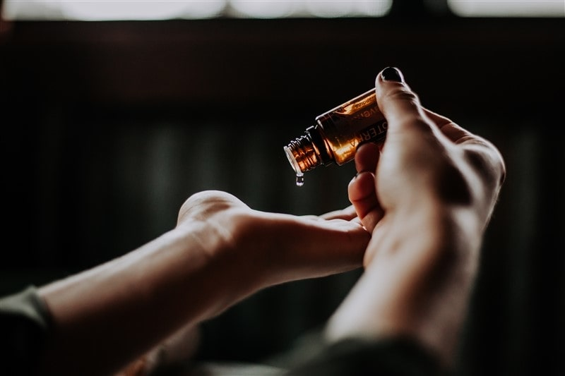 Hair oils are a special way of taking care of your hair from the external weather conditions. Find out which oils for hair growth are best suited for you.  Link in first comment 🗨️   #Haircare #essential #hairoils #indianblogger #indianbeautyblogger #AhmedabadBlogger #brillarescience #iba #moroccanoil#ogx #biotique  #kamaayurveda #thebodyshop #forestessentials #instatalk #instabeauty