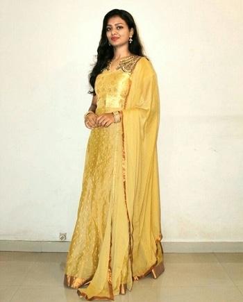 My Golden Dress..😊 #desi #traditional #anarkalisuit #golden #shimmerandshine #love #beauty #fashion #lifestyle