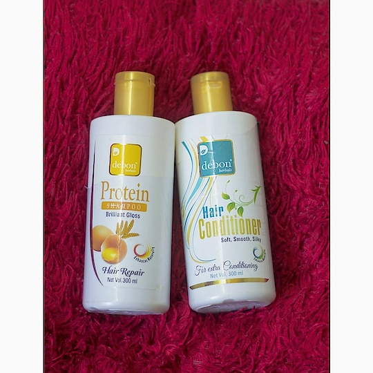 Hello family 💞 . . Today's review about DEBON HERBALS PROTEIN SHAMPOO & DEBON HERBALS HAIR CONDITIONER ✌🏻 Give your hair ultimate nourishment and care with Debon Herbals Protein Shampoo 🥚. This shampoo invigorates the protein (Keratin) of the hair and ensures it gets enough of strength to stop the hair fall. Egg Protein in it makes hair follicles stronger stimulating hair growth and prevents hair loss. Prepared by adding soluble proteins, it also gives smoothness and gloss to your hair.  Enriched with Wheat Protein and Egg Protein  Strengthens the hair keeping it smooth and glossy  Controls hair fall and stimulates hair growth  Ingredients - Wheat Protein, Egg Protein.  Price - 220/- Debon Herbals Hair Conditioner is specially formulated with Aloe Vera extract, Geranium oil, and Lemon oil. It is a reconstructive conditioner that fortifies and nourishes tired, dull hair. It is designed with a unique moisturizing complex that quickly penetrates your hair to keep your hair away from damage.  Enriched with Aloe Vera, Geranium, and Lemon oil benefits  Fortifies the tired, dull hair keeping it nourished  Deeply moisturizes the hair protecting it from damage •Reinvigorates hair follicles, supports healthy scalp, nourishes hair, protects from UV rays.  Moisturizing formula helps prevent breakage and stop frizz  Ingredients - Aloe Vera extract, Geranium oil, Lemon oil.  Price - 210/- ✓ I like the way it feels in my hair, plus I like that it's not full of chemicals.I wanted something more natural to be gentle on my scalp and my hair without so much chemicals. This shampoo & conditioner lathers quiet well without any issues. It really cleanses my hair well, and I found this to be the most affordable and the best herbal shampoo & conditioner in the market.please keep in mind you need proper diet as well with this to actually see results. I hope you found my review helpful. THANKS EVERYONE 💞   #review #lifestyleblogger #be-fashionable #woman-fashion #beautiful-life #natural-hair