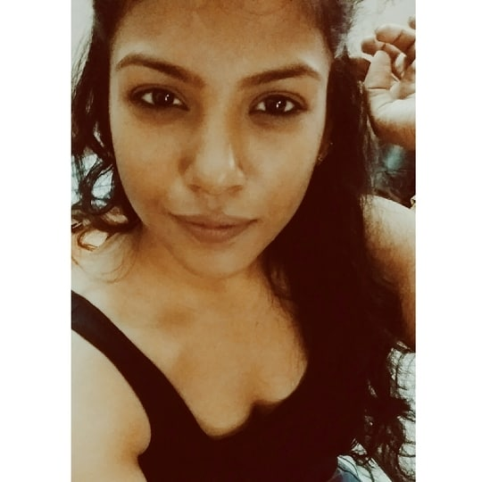 You are gold baby, solid gold!! #girlboss #bloggerstyle #selfieaday #hyderabadblogger #puneblogger #faujibrat #tanktopslove #halfuphair