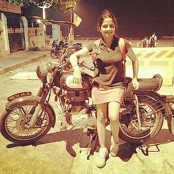 #nightlight #juhubeach #afterworkoutpose #bulletbike #smile #lovelyshot #hapiness #enjoy