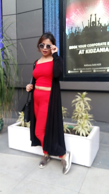 People realizes your success even they hate you  #fnb #brandinfluencer #redonred #black-and-red #shrug #fashionblogger #delhifashionblogger #indiafashionblogger #styles #ropo-style #love #shiwangishrivastava #fashiontwistturns