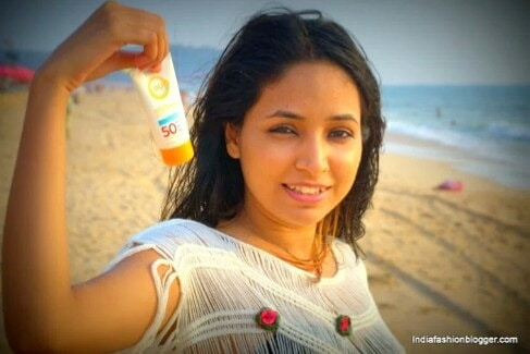 indiafashionblogger.com Hello .....guys👍 Here i am sharing some useful tips related to 🙋 Oriflame Sun Zone SPF 50.🙋 😎 It's not too liquidy or too thick, soit blends perfectly over my skin. Another plus for a sunscreen, because most of them are too thick which are only suitable for dry skin. 😎 But if you have oily skin, this product might not give you that great a face . 😎 It does get all reflected on oily skin, not in a disco ball manner but in a sheen manner, but with all the benefits it comes with a little sheen is no barrier. 😎This sunblock is also great as moisturizer, as it is not runny in consistency it stays on the skin  . ❤❤This cream is completely safe, no signs of harm, burns,acne are visible. So ...If you like it then , try it now...😋 Stay tuned till next blog post👍 #indiafashionblogger #kajalmishra #shailygupta #ifbteam #followme #fashionblogger #travelblogger #oriflame #sunscreen #lotions #spf #followforfollow #like4like  #beach #sun #nature #ocean #lake #instagood #photooftheday #beautiful #sky #clouds #cloudporn #fun #pretty #sand #reflection #amazing #beauty #beautiful #shore #waterfoam #seashore #waves #wave