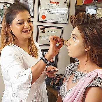 ANAM'S BRIDAL MAKEOVER  #anamsiddique #hairstylistworldwide #hairstylist #hair-style #makeupartistindia #makeupideas #makeupartist #wedding-makeup