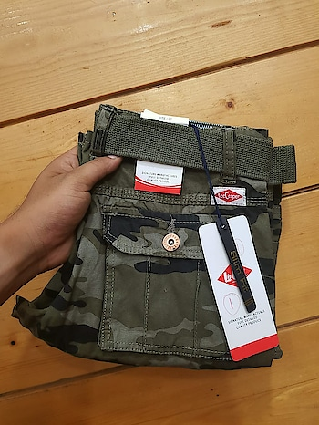 #leecooper #rsus #PRICE:- 975 SHIPPING FREE.  👍🏾SUPER PREMIUM QUALITY.  *6 POCKET CARGO SHORTS*   ▶BRAND:-  *LEE COOPER*  👉FABRIC:-  COTTON HAVY  MILL MADE FABRIC  ▶SIZES:-  30 32 34 36  🏃🏽♂FIT :- REGULAR FIT.   LENGTH 21 INCH  💥COLOURS : 3  ➰ PACKING   👉ORIGINAL WASH CARE..👌👌  ❤FULL GURANTEE FOR THE FABRIC   FULL STOCK.  👍🏻👍🏻👍🏻❤❤❤❤   Double quantity👍🏾