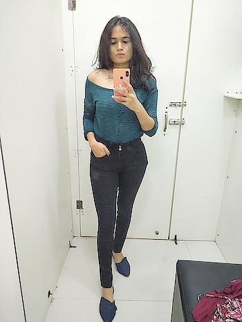 #ootd #winterwear #winter-style #winter-style #trialroom #blue-lover #fashion #be-fashionable #fashion-style #ropo--fashion #roposoness #roposostyle #roposo-stars #ahmedabad #ahmedabadblogger #ahmedabadfashionblogger   #krausjeans #gingerbylifestyle #ginger-footwear #shoppingislove #women-branded-shopping
