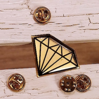 Give a shiny look to your apparel and bags with this elegant diamond enamel pin, and roam around like a princess! 👗👝👛  Order now at https://www.niche-one.com/collections/pin-up/products/diamond-pin-up  #pins #pinlove #enamelpin #patchup #trending #fashion #lapelpins #style #buy #onlineshopping #fashionistas #accessories #pingame #diamond #pinup #fashionaccessories #princess #picoftheday #bloggers #india #cute #fun