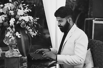 Sometime you just need to sit and work.. good things will happen side by side😎 • #work  #djing  #djismylife #myjob  #ilovemyjob #djstyles  #business  #workinglate #computer #reposolife  #roposogood #ropo-love  #DJ_AKSHAT_THE_BAND😎🎤