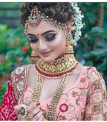 #weddingjewelry #indian-festival #indian-mehndi #indiantraditionawear #wedding-bride #weddinglehenga #indianwedings