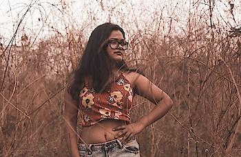 havana oh na na! #fashiondesigner#mumbaifashion#fashionblogger#florals#croprop#ootd